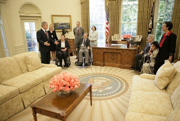 Oval-office-bush2-2005