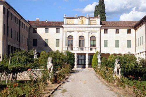 brad pitt angelina jolie italian mansion villa