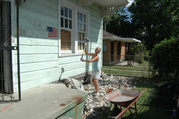 Ariane busting up a porch during calmer weather