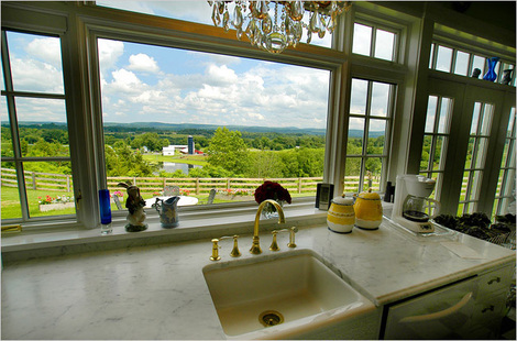 With a sink and a view like this, how could you not become a farmer?